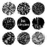 A tinta tirada mão alinha as texturas diferentes dos círculos dos garranchos ajustadas Fotos de Stock
