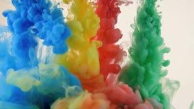 Tinta vívida colorida na água Fundo colorido brilhante filme