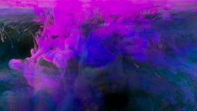Tinten im Wasser stockfoto
