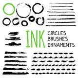 Tintenbürsten, -teiler und -verzierungen lizenzfreie abbildung