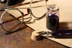 Tintero y pluma Imagen de archivo