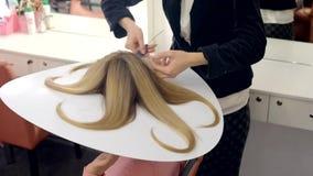 Tintura dei capelli video d archivio