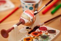 Tintura dell'uovo di Pasqua Immagine Stock Libera da Diritti