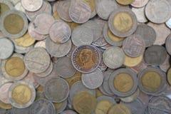 Tio baht mynt, mynt för thailändsk baht Fotografering för Bildbyråer