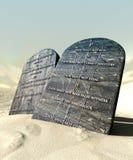 Tio Commandments som plattforer i öknen Royaltyfri Bild