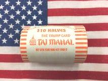 Tio 10 dollar av amerikanska mynt för halv dollar från Taj Mahal Trump ägde Royaltyfria Foton
