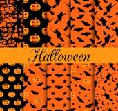Tio sömlösa modeller för allhelgonaafton Modell med lampstålar, häxa med slagträn halloween symboler Arkivfoton