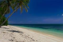 Tiomaneiland, witte stranden royalty-vrije stock fotografie