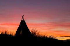Tipi Dawn Sky Arkivfoto