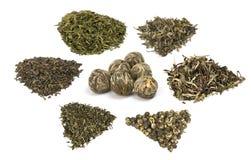 Tipi di tè verdi chineese dell'elite fotografie stock
