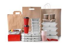 Tipi differenti di pacchetti su fondo bianco Servizio di distribuzione dell'alimento immagine stock libera da diritti