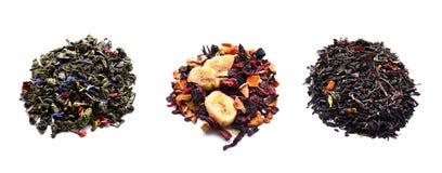 Tipi differenti di tè su fondo bianco fotografia stock libera da diritti