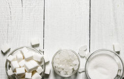 Tipi differenti di zuccheri Su fondo di legno bianco Fotografie Stock Libere da Diritti