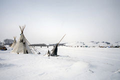 Tipi at the edge of the frozen Cannon Ball River, Cannon Ball, North Dakota, USA, January 2017 Stock Photos