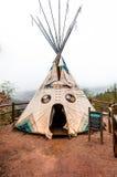 Tipi på Manitou Cliff Dwellings Museum Royaltyfria Bilder