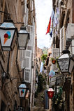 Tipical poca calle en la ciudad vieja de Dubrovnik, Croacia Fotos de archivo