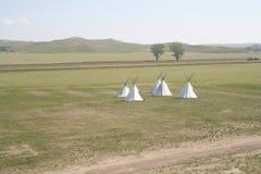 Tipis auf der Prairie Stockfotos