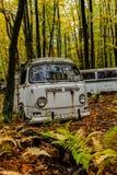 Tipo abbandonato di Volkswagen - 2 Van - rottamaio - Pensilvania fotografia stock