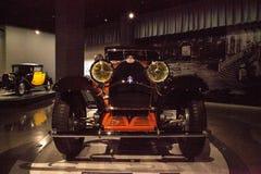 Tipo 1930 de Bugatti de la naranja 46 cabriolé Imágenes de archivo libres de regalías