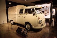 Tipo 1966 di Volkswagen di bianco 265 doppia raccolta della carrozza immagini stock