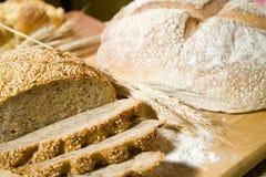 Tipo dois do pão e de um trigo Fotografia de Stock