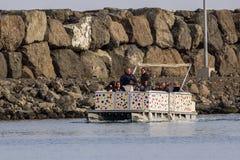 Tipo engraçado e estranho do barco Fotografia de Stock Royalty Free