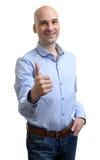 Tipo sorridente che mostra i pollici SU Fotografie Stock Libere da Diritti