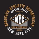 Tipografia de New York City, Brooklyn para o t-shirt Cópia original do sportswear Tipografia atlética do fato Gráfico de NYC Veto ilustração royalty free