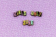 Tipografia do feminismo do respeito da zona da menina única foto de stock