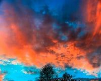 Tipologia da nuvem, por do sol no meio de outubro em Novo Brunswick, Canadá fotos de stock royalty free