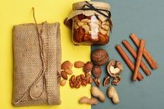 Tipos das porcas com saco feito malha Imagem de Stock Royalty Free