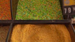 Tipos diferentes de polvilhar decorativo colorido video estoque