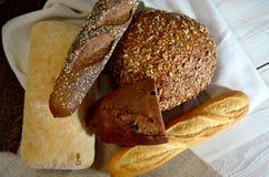 Tipos diferentes do pão Imagens de Stock Royalty Free