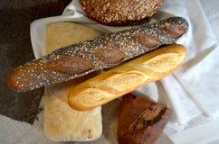 Tipos diferentes do pão Fotografia de Stock Royalty Free