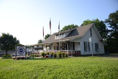 Tipton okręgu administracyjnego Tennessee weterana usługa budynek obraz stock