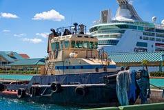 Tirón en barco de cruceros foto de archivo