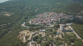 Tir aérien Mouche au-dessus du Peloponnesus en Grèce clips vidéos