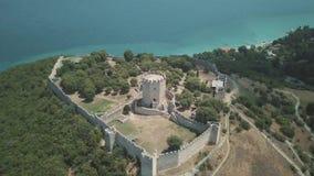 Tir aérien Mouche au-dessus du Peloponnesus en Grèce banque de vidéos