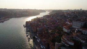 Tir aérien Porto au coucher du soleil banque de vidéos