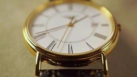 Tir classique d'or de macro de montre-bracelet vidéo animée lente banque de vidéos