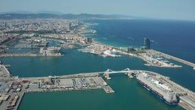 Tir de bourdon de côte et de ports de Barcelone banque de vidéos