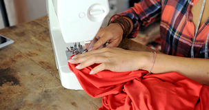 Tir de culture de tailleur dans le travail Photos stock