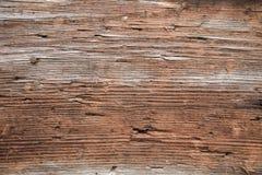 Tir de plan rapproché d'un mur extérieur en bois fortement superficiel par les agents images libres de droits