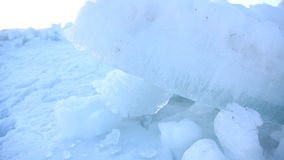 Tir de torsion de glace congelé par lac de l'Utah banque de vidéos