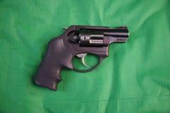 Tir du poids léger cinq revolver de 38 calories Photo stock