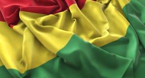 Tir en gros plan admirablement de ondulation hérissé par drapeau de la Bolivie macro photographie stock libre de droits