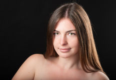Tir en gros plan d'heureuse fille attirante Photographie stock libre de droits