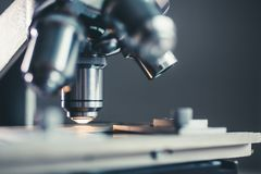 Tir en gros plan de microscope Photos libres de droits