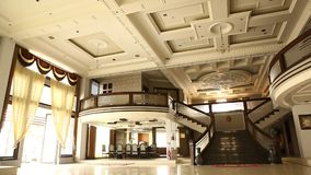Tir intérieur du bâtiment moderne banque de vidéos