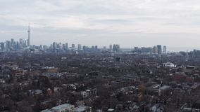 tir 4K de établissement aérien d'un voisinage à Toronto, Ontario banque de vidéos